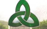 Irish-Celtic-Stained-Glass-Window-Suncatcher-trinity-Knot-Green-5.jpg